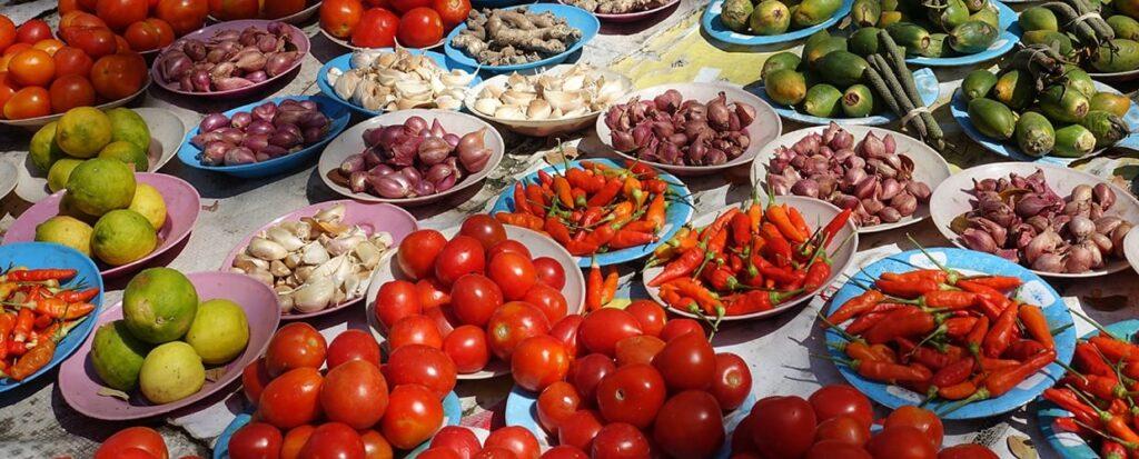 Timor-Leste: Bowl, Food, Produce, Market, Fig, Flora, Fruit, Plant, Vegetable, Artichoke, Dish, Meal, Plate
