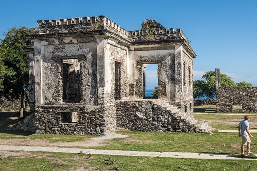 Timor-Leste: Person, Human, Ruins, Gate, Building, Architecture