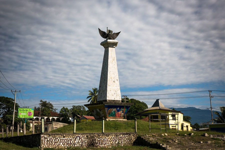 Timor-Leste: Architecture, Building, Tower, Beacon, Lighthouse, Bird, Animal, Monument