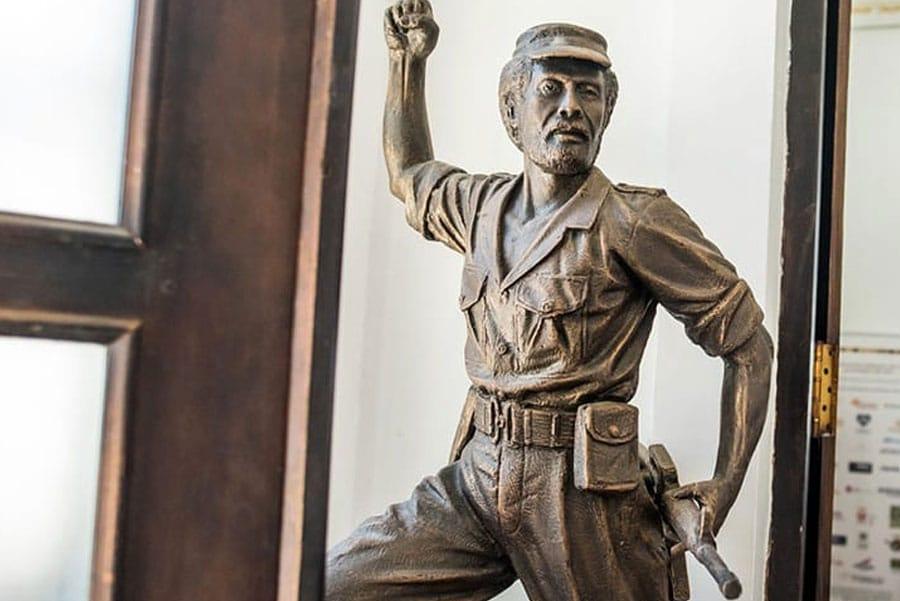 Timor-Leste: Sculpture, Statue, Art, Human, Person, Bronze, Figurine